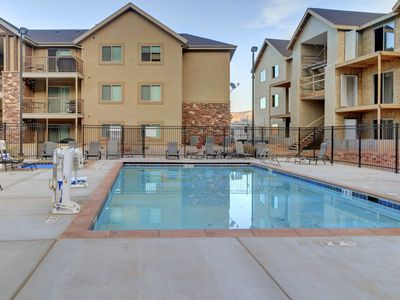 Photo for Outdoor lover's getaway, w/ views, shared pool  & hot tub, and plenty of room!