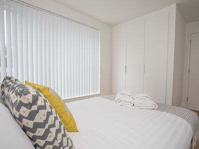 Photo for Super Central Angel Flat Sleeps 4