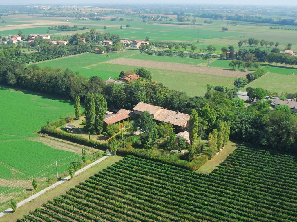 Farmhouse barn between Parma and Reggio Emi... - HomeAway