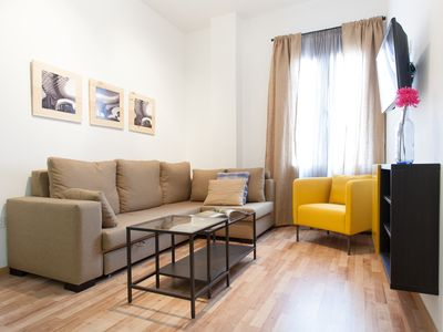 Photo for Laraña 5.2 apartment in Casco Antiguo with WiFi, air conditioning & lift.