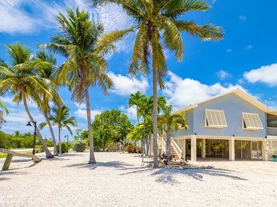 Photo for P76 - 3 bedroom pool home with deep water dockage in the Sombrero Beach area.