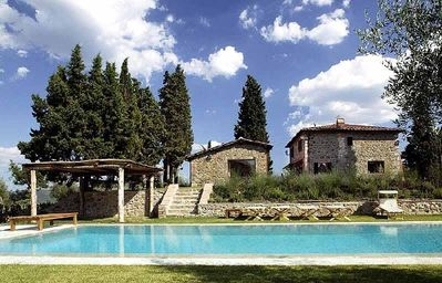 Photo for Luxury villa near Siena - Tuscany - Holiday villa to rent near Siena