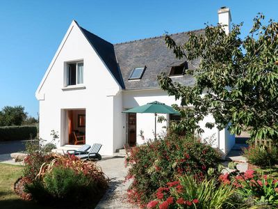 Photo for Vacation home in Plougrescant, Côtes d'Armor - 7 persons, 3 bedrooms