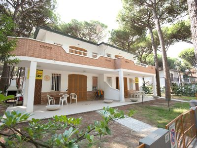 Photo for Lido di Spina, Adriatic Riviera holiday villa near the sea