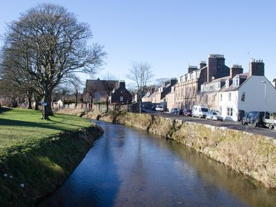 Photo for Self Catering apartment in prime location in Stonehaven town centre, Free WiFi.