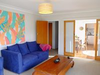 Excellent location, very close to the beach, clean and very well kept apartment.