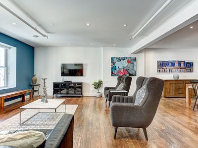 Photo for Scandinave 2bedrooms  on Saint Francois Xavier, Heart of Old Montreal-402