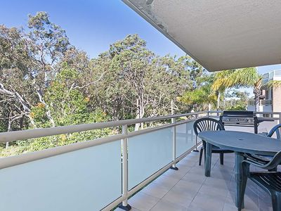 Photo for 7 'Amaroo' 8 Ondine Close - fantastic 2 bedroom unit so close to the waters edge