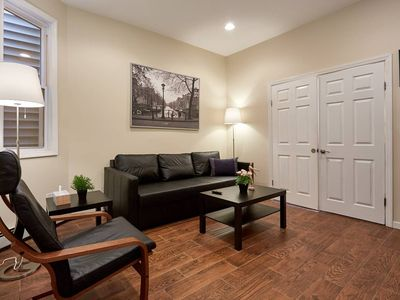 Photo for Cozy, modern Apartment  20min to NYC