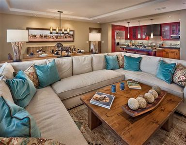 One Steamboat Place: Treasure Mountain #605 - 4BR Ski-in/Ski-out Luxury