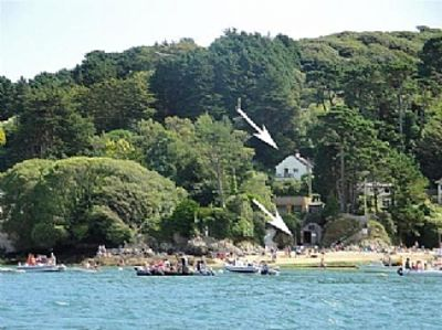 Photo for Stylish, Self-catering Beachside Holiday House With Magnificent Estuary Views.