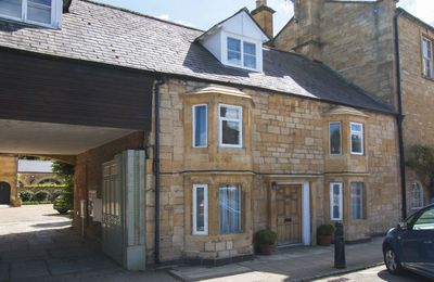 Photo for Sleeps 4 guests in Chipping Campden within walking distance of a variety of pubs and restaurants.