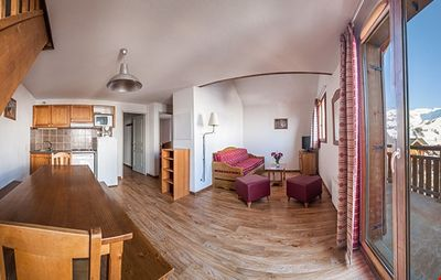 Photo for Large 2 Bedroom Alcove Apartment for Groups Up to 10 Guests!