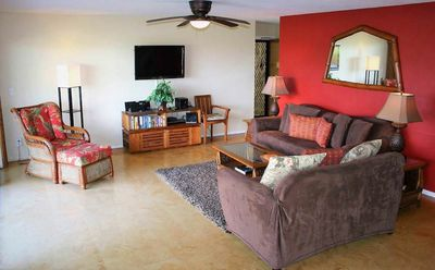 Photo for Island Condo On the Golf Course! Walk out your large Lanai to the pool!