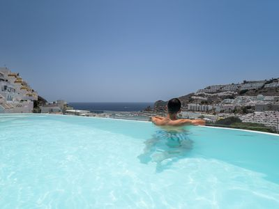 Photo for Luxury apartment with terrace, private swimming pool and views
