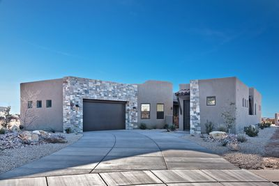 Front View - The Fish Rock Retreat is 2,378 square foot home with 3 bedrooms and 3.5 bathrooms, located next to hole 2 on The Ledges Golf Course.
