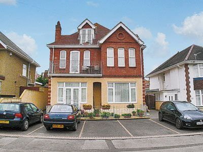 Photo for 2 bedroom property in Bournemouth.