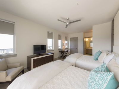 Photo for The Pointe 246C - Booking spring vacays, now!