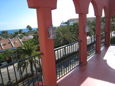 Photo for Penthouse with large terrace and sea views