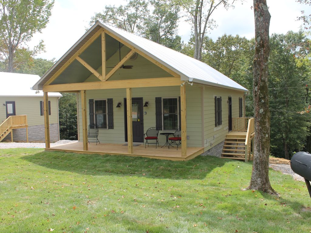 Enjoy our rustic cabin just yards from whee vrbo for Wheeler dam cabins