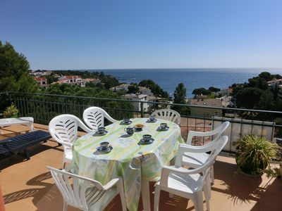 Photo for Well-lit top-floor apartment with a nice terrace and beautiful sea views, situated just 10