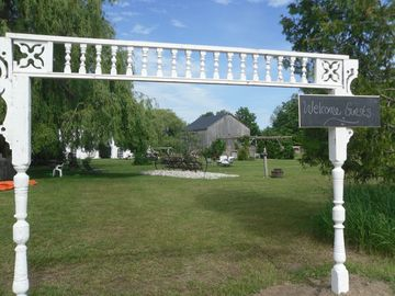 Historic Farm On 35 Acres 5 Minutes to Southampton & its beautiful sandy beaches