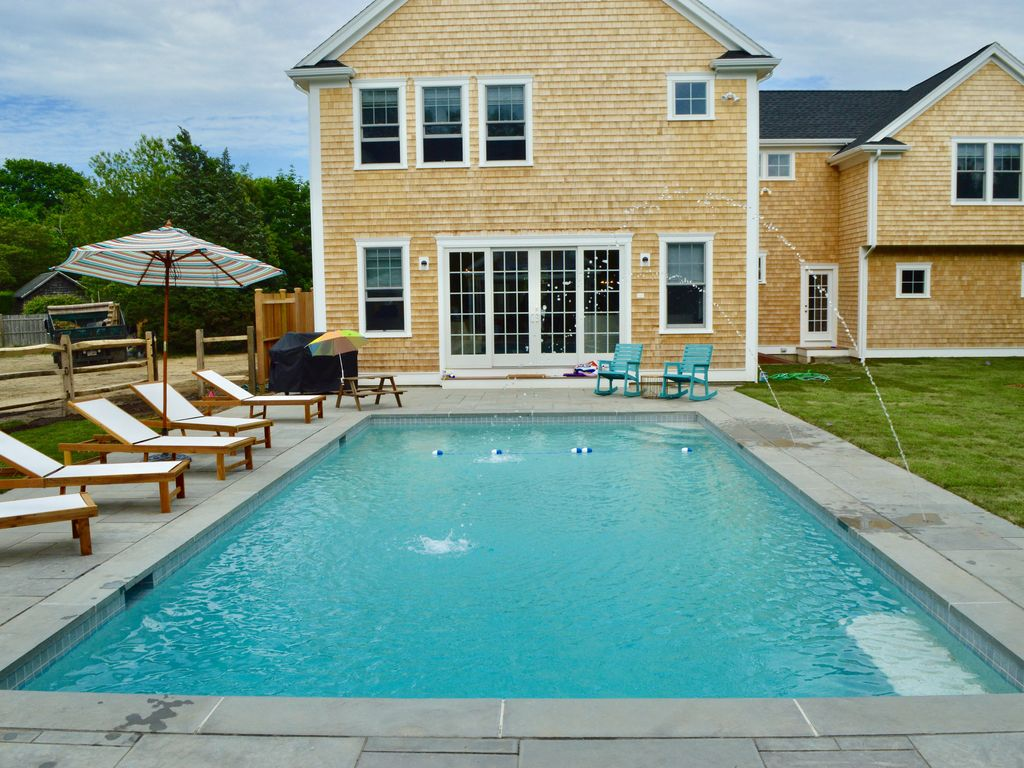 Brand new construction in edgartown homeaway edgartown for Virtual pool builder