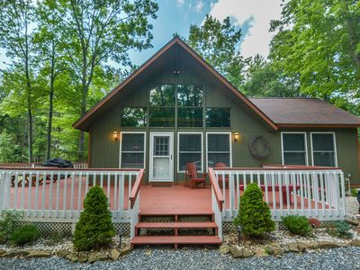 Photo for Charming cottage with outdoor fire pit & lots of community amenities!