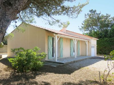 Photo for Vacation home Les Mimosas (BMM365) in Brem sur Mer - 4 persons, 2 bedrooms