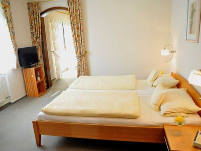 Photo for Double room 10, 24m² - Waldgasthof Reussenkreuz