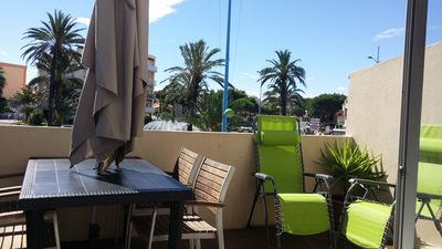 Photo for Beautiful t2 air conditioning gd balcony barbecue, near beaches and shops, parking pri