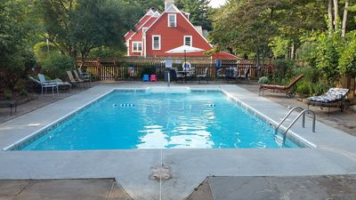Best Vacation Property ( 2 to 20 people) - Southbridge