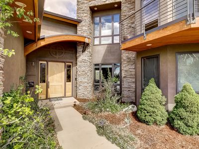 Photo for CONTEMPORARY HOUSE, WALK TO PEARL ST, VIEWS OF THE FLATIRONS AND SANITAS