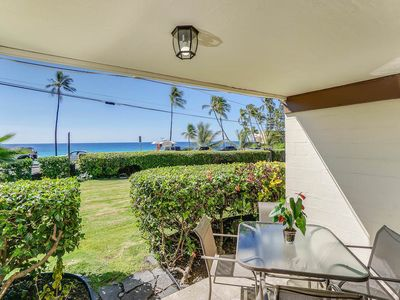 Photo for Romantic Condo Steps from Magic Sands Beach w/ Private Lanai, Ocean Views