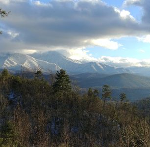 Snow on Mount Leconte