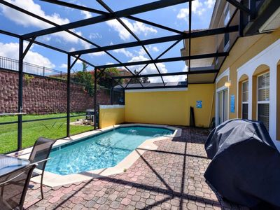 Photo for 10 min to Disney w/ private pool YLL162