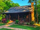 4BR Cabin Vacation Rental in Mountain View, Arkansas
