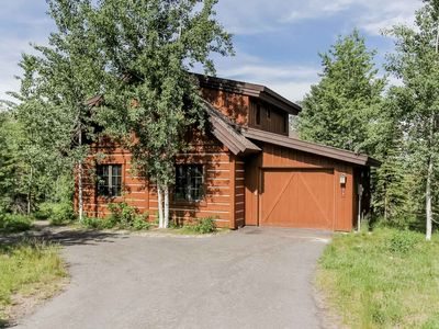 Photo for Spacious resort chalet w/ private outdoor hot tub, deck, BBQ