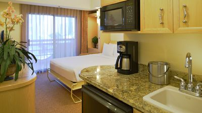 Photo for Family fun resort in center of attractions and the strip. 2BDR villa sleeps 6.