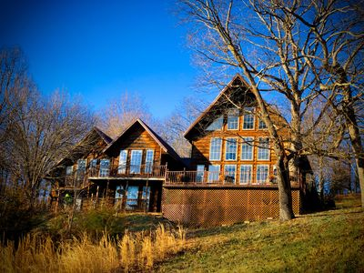 Photo for Oak Point Lakeview Lodge, Satellite TV, Fire place