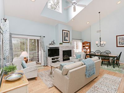 56107 Whispering Pines, Sea Colony - Living Room
