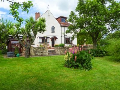 Photo for 3BR Cottage Vacation Rental in Worksop