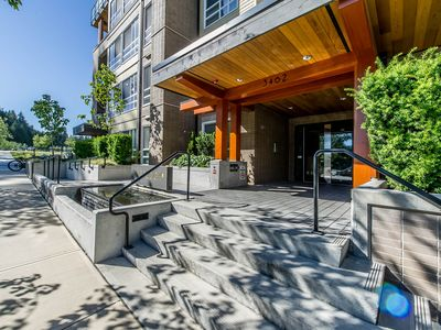 Photo for UBC 3 bedroom 2 full bath with fountain views luxury condo