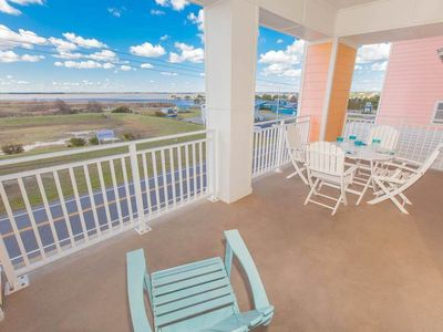 Photo for 3 bedroom luxurious condo on the beach with breath-taking bay views!