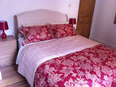 The 'Red Room' has a luxurious oak kingsize, quality mattress and furnishings