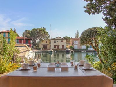 Photo for Renovated 1 bedroom flat with 10 m mooring