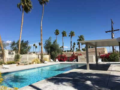 Townhouse style Condo in HOT northern end of Palm Springs