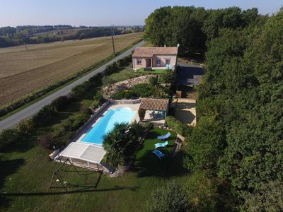 Photo for Pleasant country house, private pool, between the Dordogne and Lot et Garonne