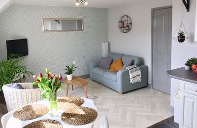 Photo for Central Woolacombe Apartment with stylish decor and private parking