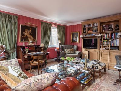 Photo for Beautiful, British Apartment, next to the Science Museum & Hyde Park!